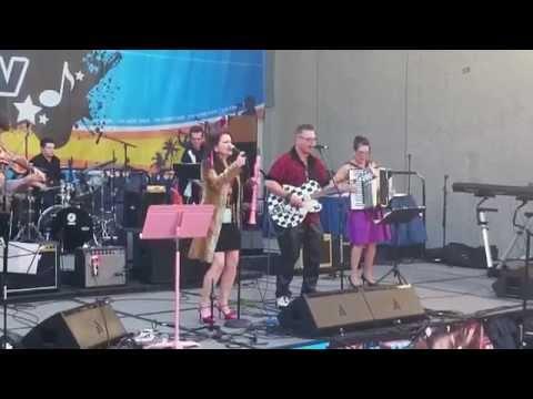 THE VIGNATIS @ Namm Show 2015 Gypsybilly Music
