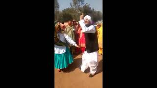 छन छन बोलै नू बोलै तेरी तागड़ी    new Desi dance couple   Tagdi    new dance 2018