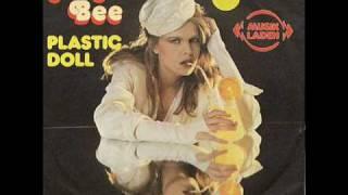 Video Angie Bee - Plastic Doll download MP3, 3GP, MP4, WEBM, AVI, FLV November 2018