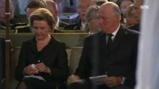 Kongen og dronningen gråt av sang i domkirken