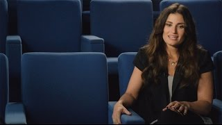 "Idina Menzel - Discusses ""Small World"""