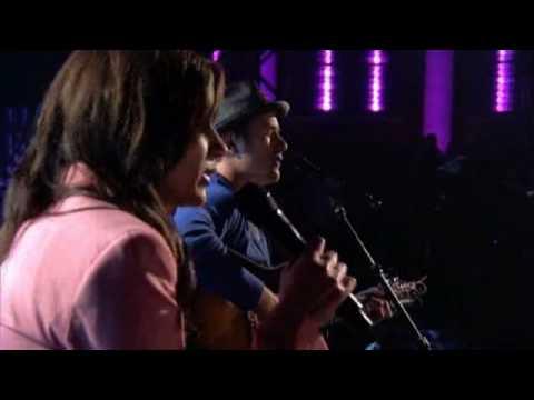 Kara DioGuardi & Jason Reeves - Terrified - Lopez Tonight
