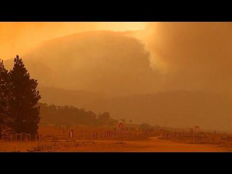 Avustralya'da tehlikeli orman yangınları nedeniyle halka sığınaklara gitme çağrısı