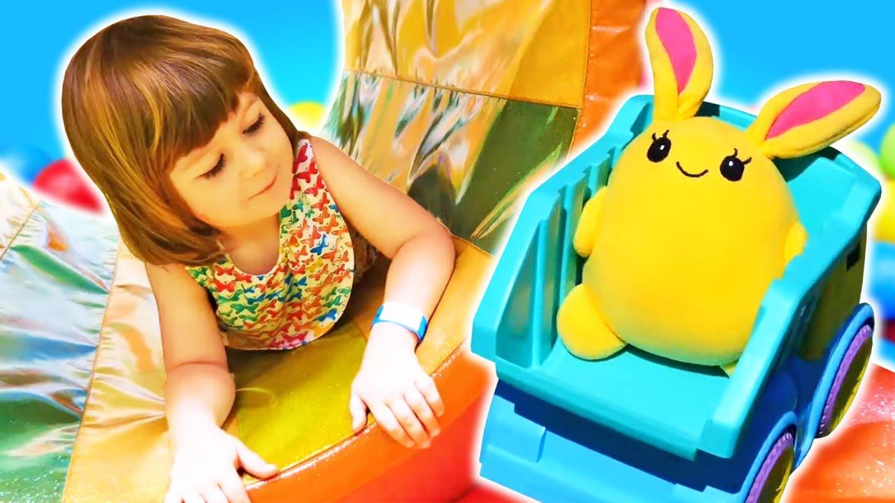 Мама для Лаки - Маша Капуки Кануки, Бьянка и Лаки в парке развлечений - Трейлер - Видео для детей
