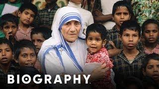 Mother Teresa - 20th Century Humanitarian | Biography