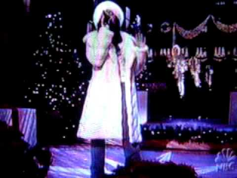 Ashanti Performs Hey Santa.