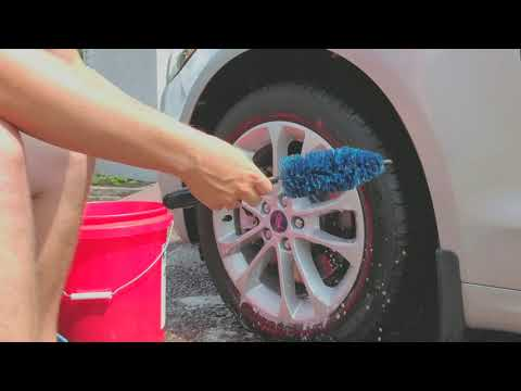How to Clean Wheels & Tires