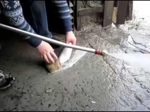Как чистят рыбу Челябинские мужики  Прикол