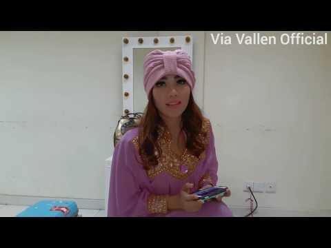 Via Vallen nyanyi Lara Hati full version sambil main PianoAndroid tanpa cut! (Lagu ngamen ViaVallen)