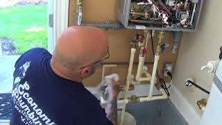Proper installation of a Rinnai condensing tankless water heater.