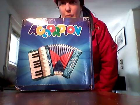 Unboxing from Ebay Small 17-Key 8 Bass Accordion Educational Musical Instrument Toy Blue New