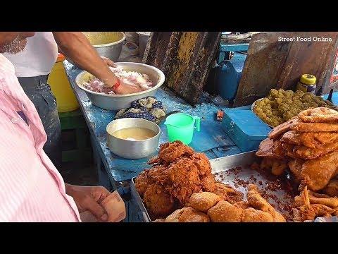 Bengali Snacks ( Chop / Pakoda ) Only 5 rs Each | Kolkata Street Food Besides Poddar Court