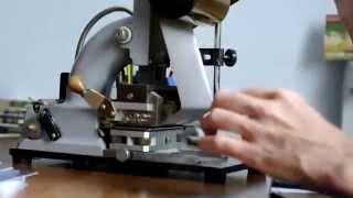 Изготовление визиток (горячим теснением, фольга) http://stamp4you.ru/(Изготовление визиток на пресе горячего теснения с фольгированием. http://stamp4you.ru/, 2014-06-27T07:48:35.000Z)