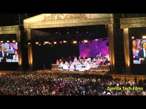 PERÚ - André Rieu en el Estadio Nacional de Lima. Minutos finales.