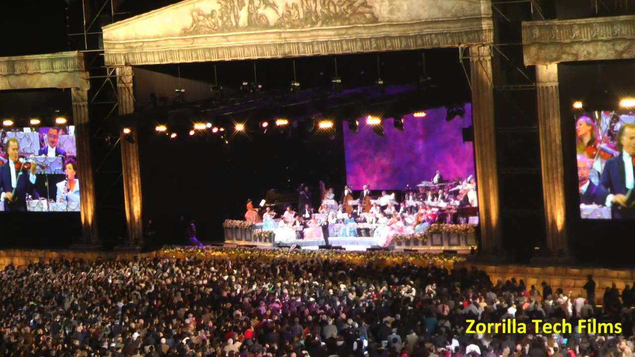 Per andr rieu en el estadio nacional de lima minutos for Puerta 4 estadio nacional