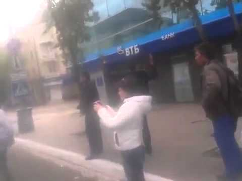 National Guard shoots peaceful citizens of Ukraine in Mariupol