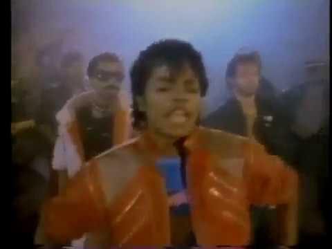 Sega Genesis Michael Jackson's Moonwalker - ET News Clip from 1990