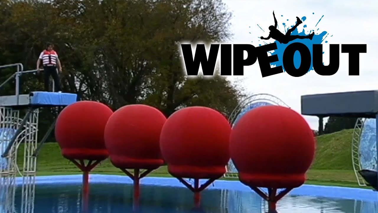Richard Hammond attempts the Big Red Balls| Wipeout - YouTube  Wipeout