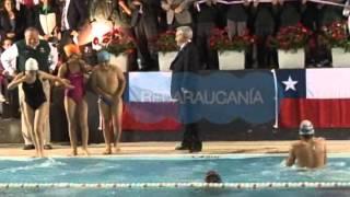 Sebastián Piñera empuja a niño