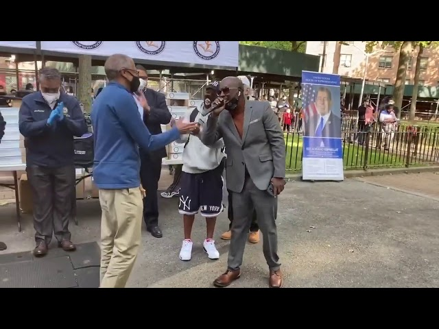 "Congresista Adriano Espaillat encabeza eventos ""Back to Schoolen Harlem e Inwood-Washington Heights"