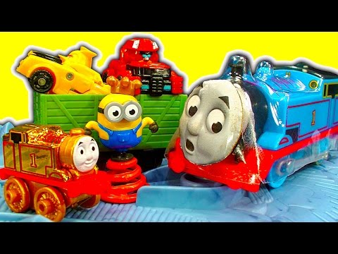 Thomas Trackmaster Close Call Cliff Set & Custom Thomas Face Because Mattel Can