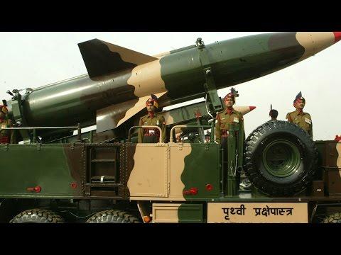 पाकिस्तान एक पनडुब्बी का शुभारंभ किया परमाणु सक्षम मिसाइल का परीक्षण किया