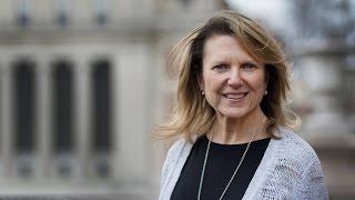 Julie Kushner - Women Can Change the World