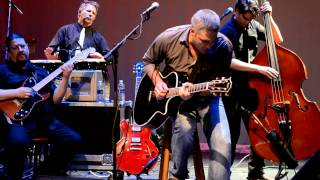 Taylor Hicks in Glens Falls, Rough God Goes Riding 5/16/11