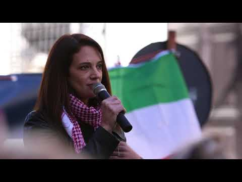 Asia Argento speaks on MeToo movement at Women's March Rome 2018 with English subtitles