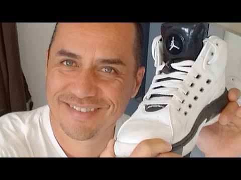 Quick Shoe Cleaning DIY Soap, Brush, T-Shirt Rags ~ How to clean your shoes easy way
