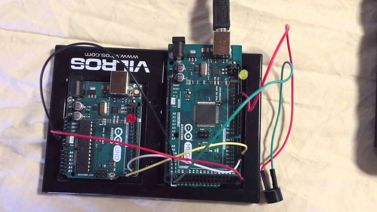 Hardware serial to communication using arduino uno