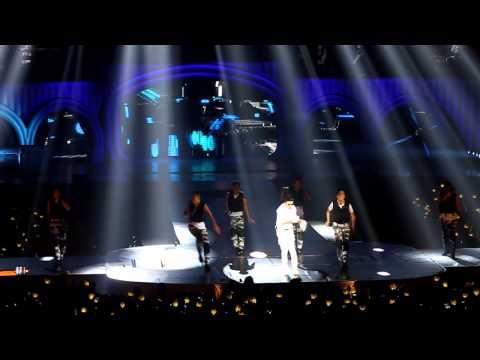 big-bang-alive-tour-2012-london-(seungi-strong-baby)