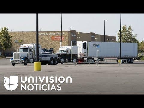 Inmigrantes rescatados del camión en San Antonio informaron que viajaban con más de 100 personas