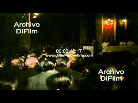 DiFilm - Juan Domingo Peron y Maria Estela Martinez en misa 1974
