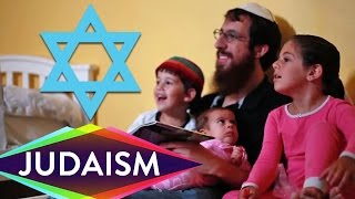 Repeat youtube video Lunch & L'Chaim with a Jewish Rabbi   Have a Little Faith with Zach Anner