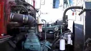 6-71 Detroit Diesel at idle