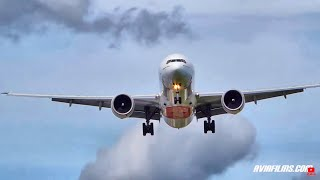 Boeing 777 landing EXTREMELY close