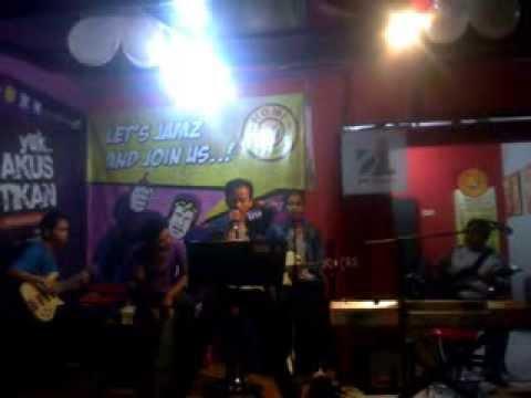 @HomiCafe Jams Corners - Kita Tidak Sedang Bercinta Lagi (cover)