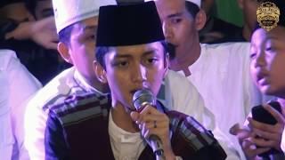 Histeris Gus Azmi menyanyikan lagu Kelangan Versi Sholawat.