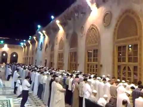 صلاة التراويح في الجامع الأموي بحلب - YouTube