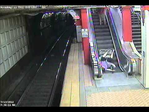 Escalator Incident 7 13 2012 Youtube