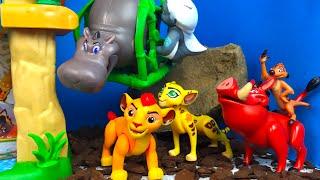 Vigilando las praderas El Leon Guardian Set Deluxe de Figuras - The Lion Guard Defiende Las Prader