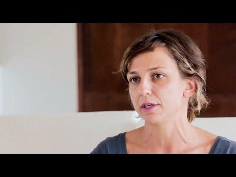 Carolina Borghetti: o que é hatha yoga