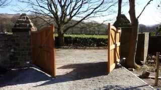 J&g -  Wooden Electric Gates
