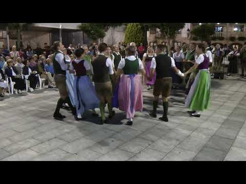 Austrian Folk Dance: Max Glaner Schuhplattler & Familie Sekstur