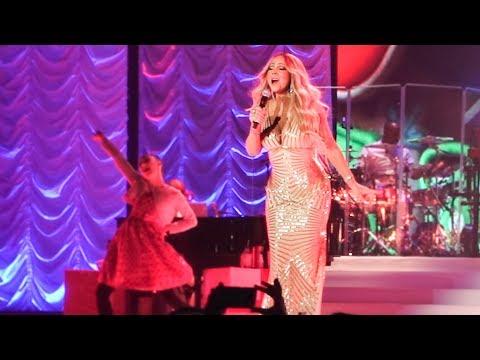Mariah Carey - Oh Santa ! Live @ AccorHotels Arena, Paris, 2017