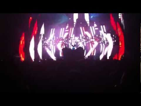 Deadmau5 live @ Urban Art Forms 2011 - FML / Right This Second