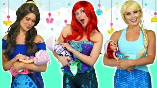 DISNEY PRINCESS BABIES? Ariel, Rapunzel Belle, Jasmine, Elsa and Anna Get their Fortunes. Totally TV