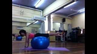 Упражнения с фитнес мячом  Pilates Ball(, 2014-03-18T13:35:35.000Z)