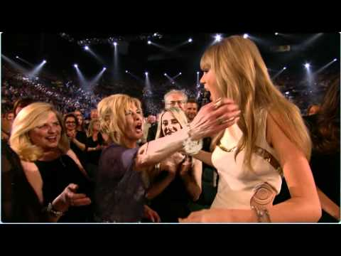Taylor Swift 2012 ACM Entertainer of the year